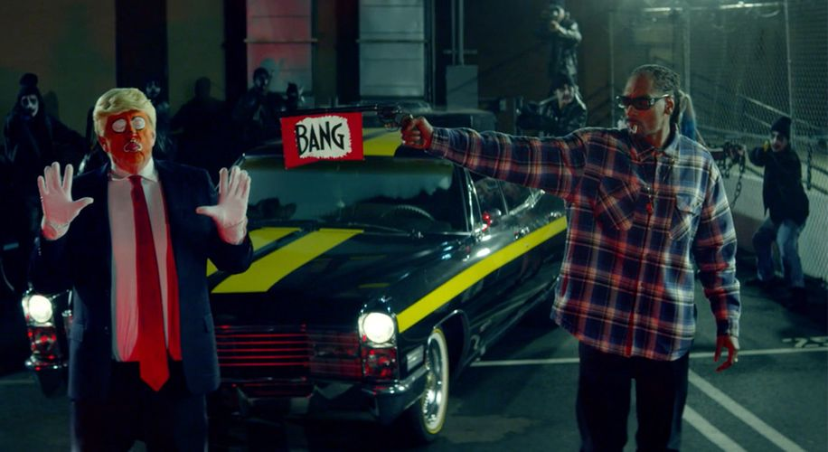 """Snoop Dogg Pulls Gun On Trump Clown in Politically Charged """"Lavender"""" Music Video"""