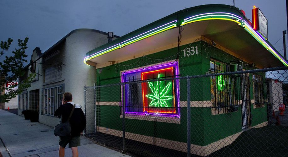 New Proposal Would Allow Denver Cannabis Shops to Stay Open Until Midnight