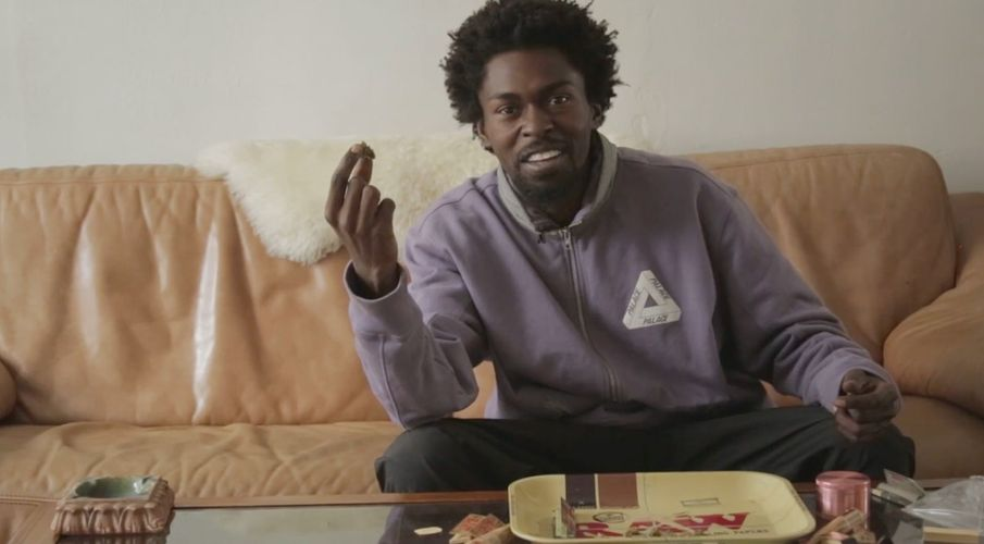 """How to Roll the """"Nollie Hardflip"""" of Joints with Skateboarder Jamal Smith"""