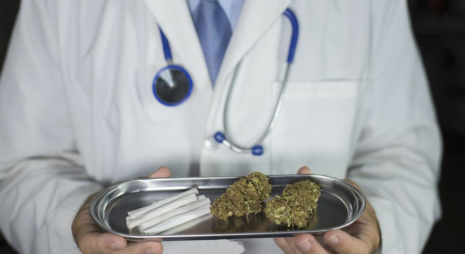 Why Are the Best Doctors Still Nervous About Medical Marijuana?