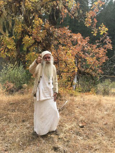 1538615262610_SwamiThumbsupautumn2018.jpg