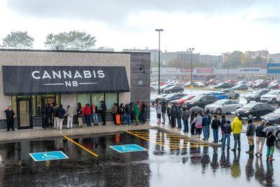 1541613113909_iStock-cannabis-nb-store.jpg