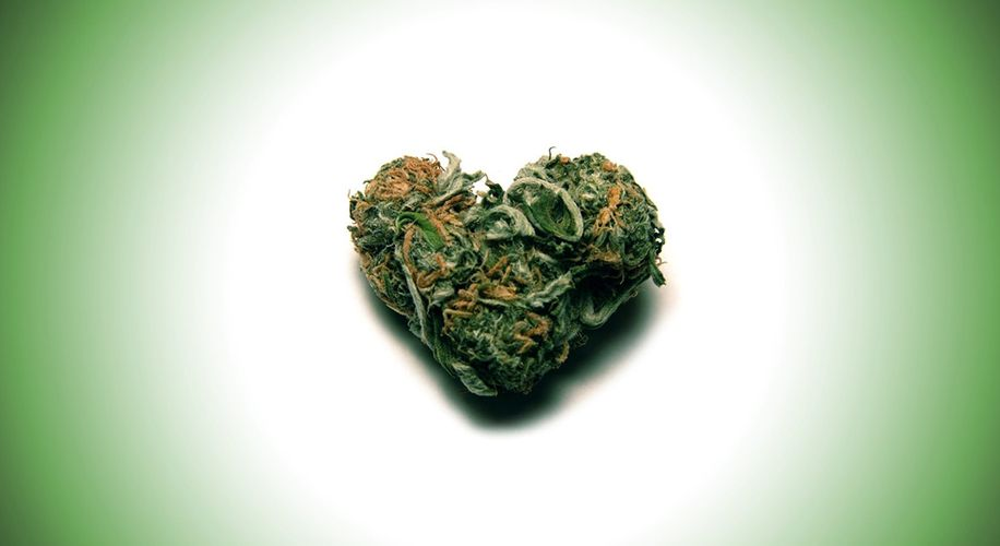 Romantic Reefer: Cannabis Heightens Intimacy, Study Says