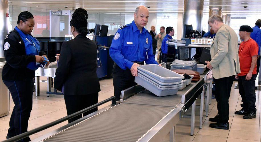 "Customs Officers Report ""Skyrocketing"" CBD Arrests at Dallas Airport"