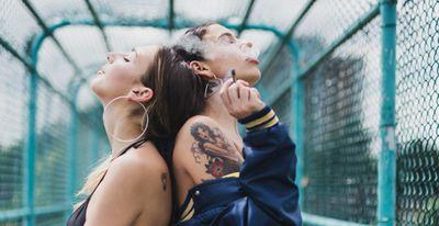 1567110231589_girls-smoking-weed-cannabis.jpg