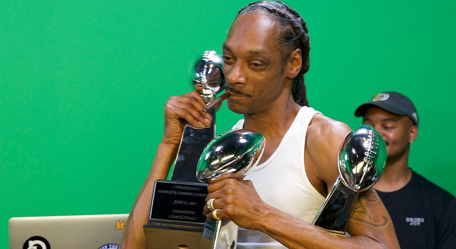 Will Snoop Stay King of Madden for Round Six of the Gangsta Gaming League?
