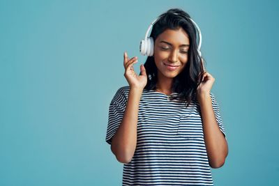 1576623961891_GettyImages-audiologist-headphones-PeopleImages-2880x1922.jpg