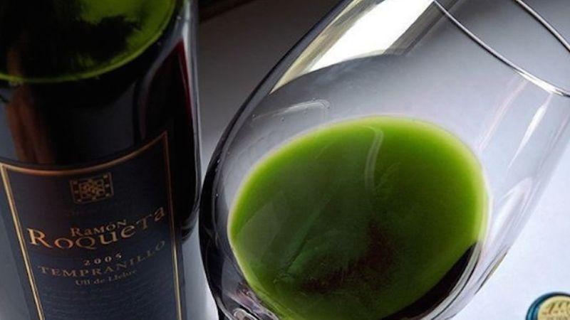 adding tincture to wine