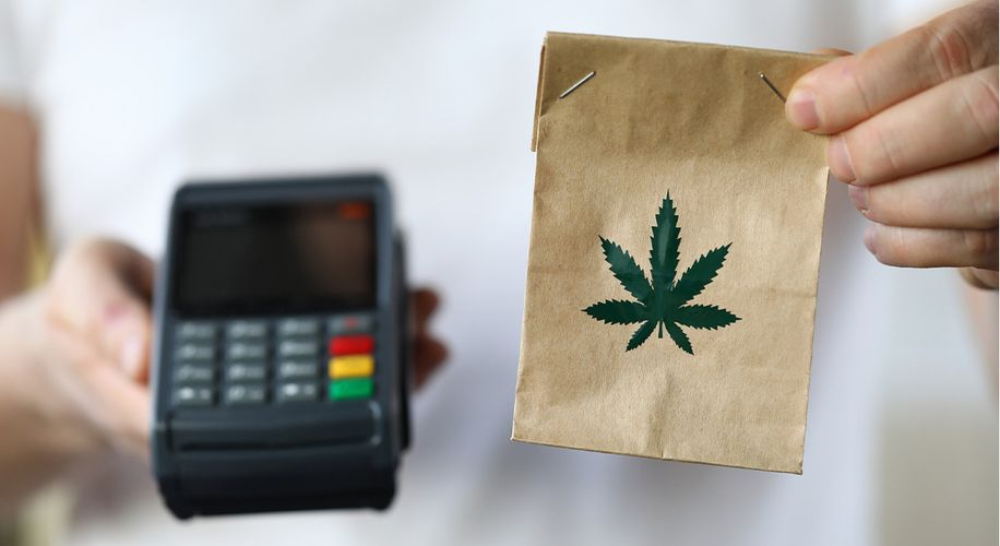 Oklahoma OKs Weed Delivery and Medical Marijuana Sales for Out-of-State Visitors